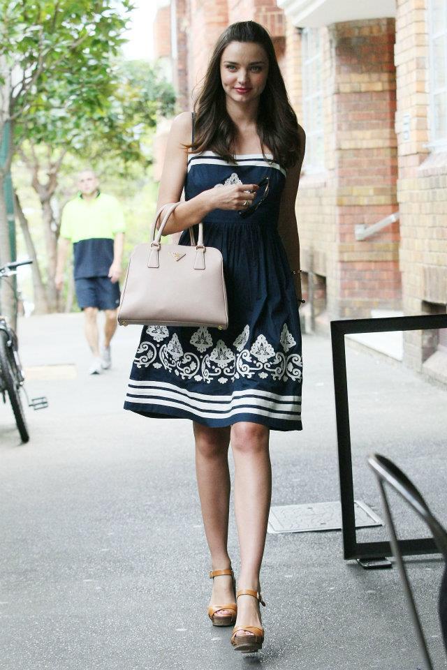 Miranda Kerr in Prada bag