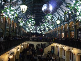 Shade of Red Blog_Christmas_London (10)