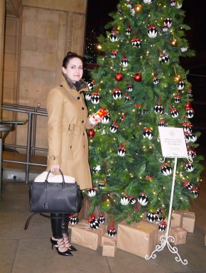 Shade of Red Blog_Christmas_London (18)