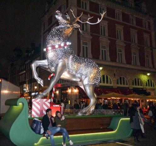 Shade of Red Blog_Christmas_London (8)